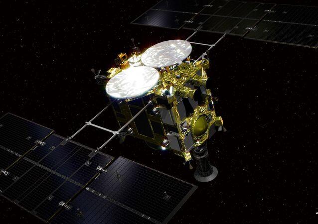 Vue d'artiste de la sonde spatiale japonaise Hayabusa 2, suite de la mission Hayabusa et dont l'objectif est de ramener un échantillon du sol de l'astéroide (162173) 1999 JU3. Le lancement est prévu fin 2014.