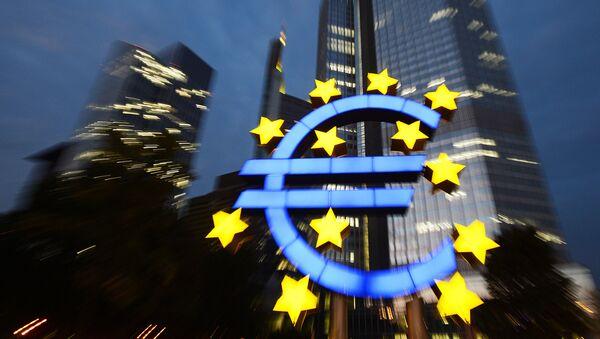 «L'euro ne marche pas, c'est un fait» - Sputnik France