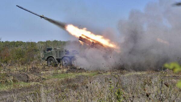 Des duels d'artillerie sur un polygone dans la région de Krasnodar - Sputnik France