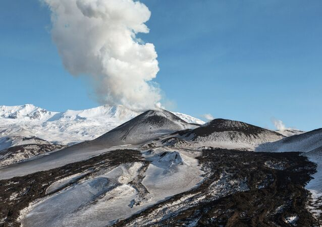 Un volcan en éruption