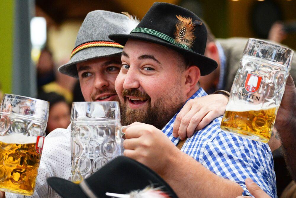 L'ouverture du festival Oktoberfest en Allemagne