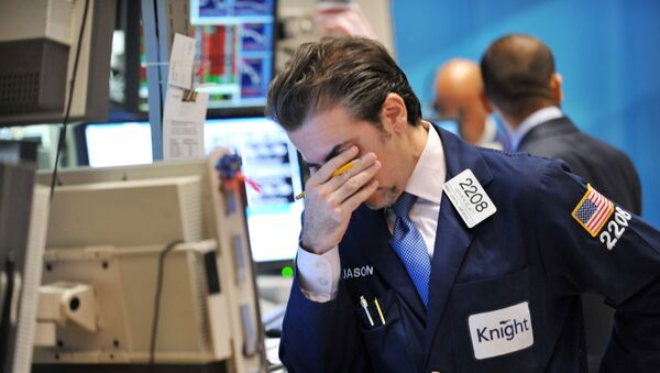 Jason Blatt of Knight Capital Americas, LP reacts to down market on the floor of the New York Stock Exchange August 8, 2011. - Sputnik France