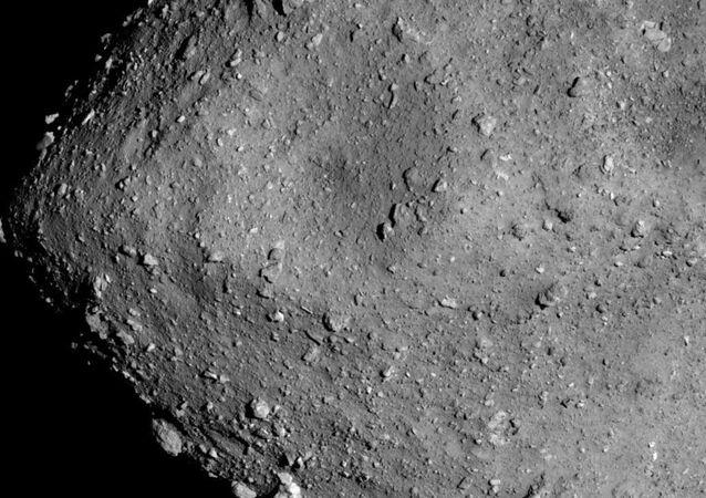 L'astéroïde Ryugu vu par la sonde Hayabusa2