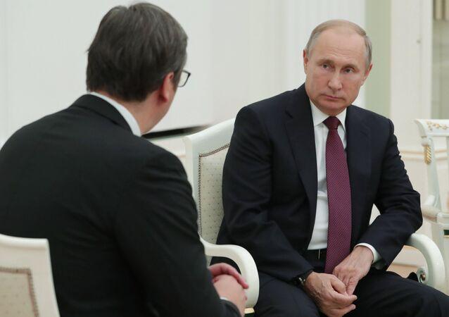 Vladimir Poutine et Aleksandar Vucic