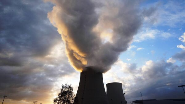 Steam rises at sunset from the cooling towers of the Electricite de France (EDF) nuclear power station at Nogent-Sur-Seine, France, November 13, 2015. - Sputnik France
