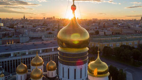 Les coupoles du Kremlin de Moscou - Sputnik France