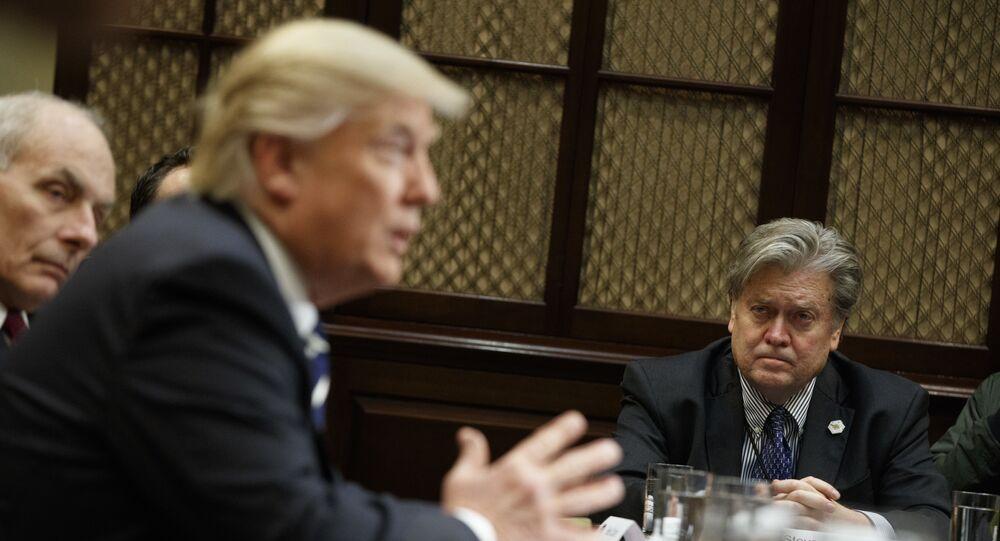 Donald Trump et son conseiller à l'époque Steve Bannon