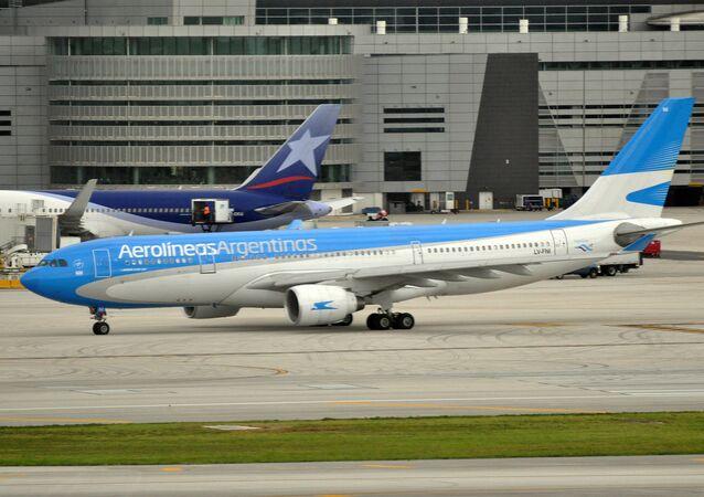 Un avión de la compagnie Aerolíneas Argentinas