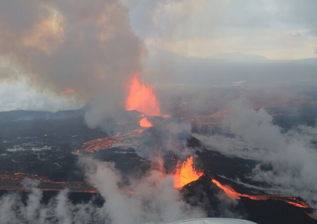 Volcan (Image d'illustration)