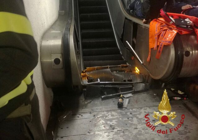 l'accident d'escalator dans le métro de Rome