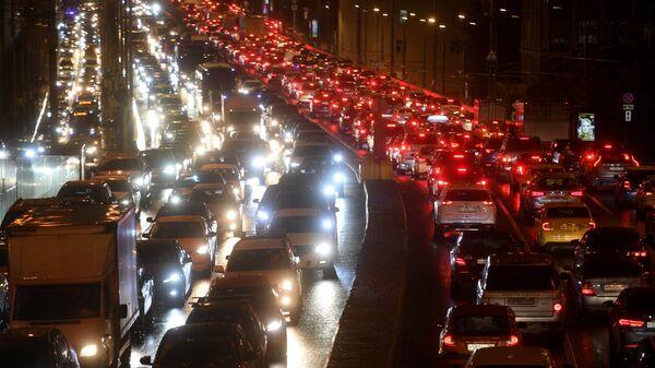 Автомобильное движение на Садовом кольце в Москве - Sputnik France