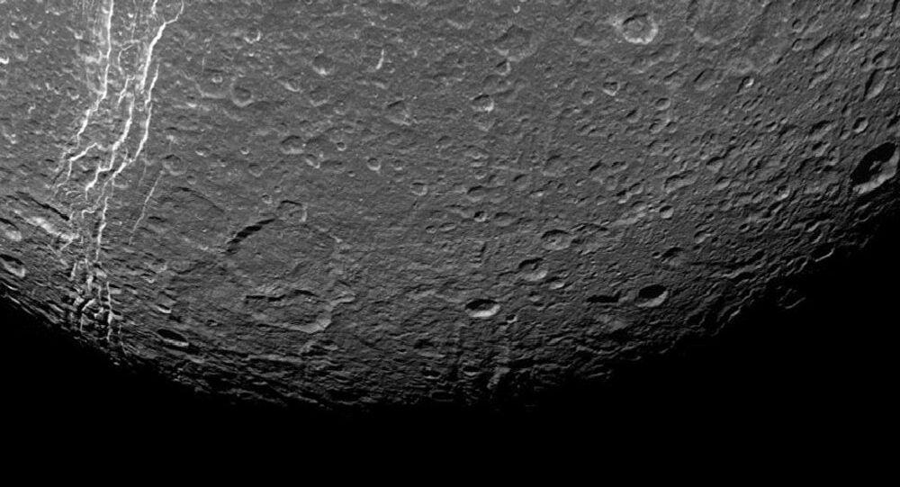 Dioné, lune de Saturne