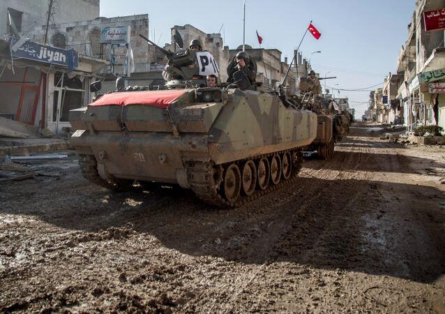 Des forces turques à Ayn al-Arab, en Syrie