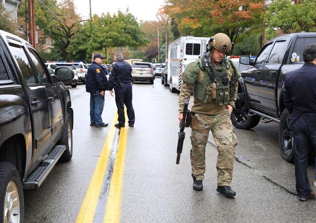 Police sur les lieux de la fusillade à Pittsburgh