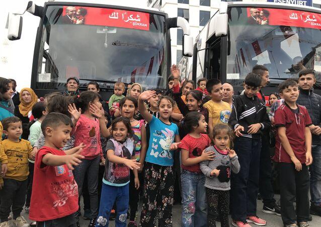 Réfugiés en Turquie, des Syriens rentrent progressivement chez eux