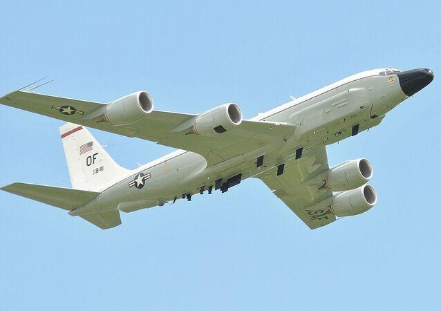 Un avion américain RC-135W