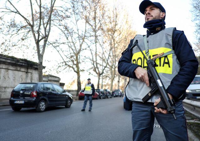 Des officiers de police italiens (image d'illustration)
