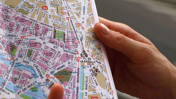 Un touriste à Paris - Sputnik France