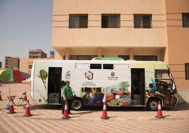 Patrouilles automobiles en Égypte: l'espoir de «petits clochards»