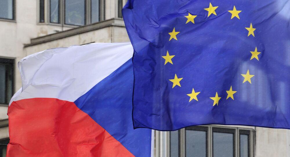 Drapeaux tchèque et de l'UE