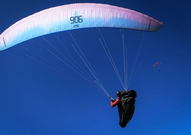 Un parapente, image d'illustration