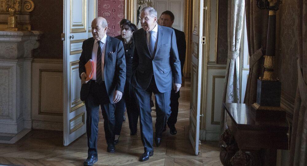 Jean-Yves Le Drian et Sergueï Lavrov à Paris
