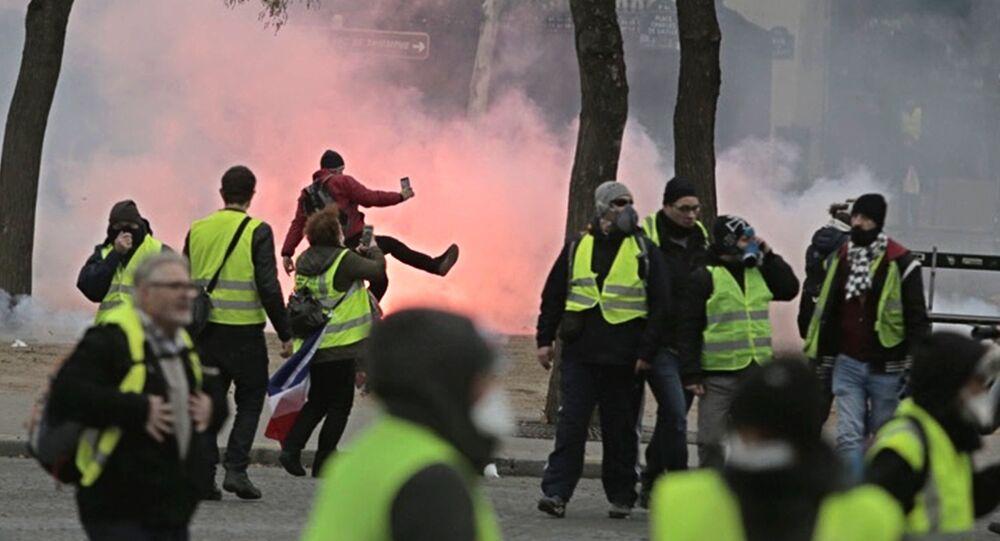 Un rassemblement des gilets jaunes du 1er décembre à Paris