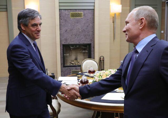 François Fillon et Vladimir Poutine en décembre 2018