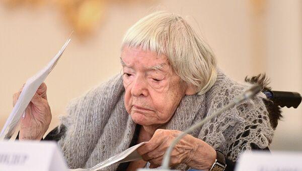 Lioudmila Alexeïeva - Sputnik France