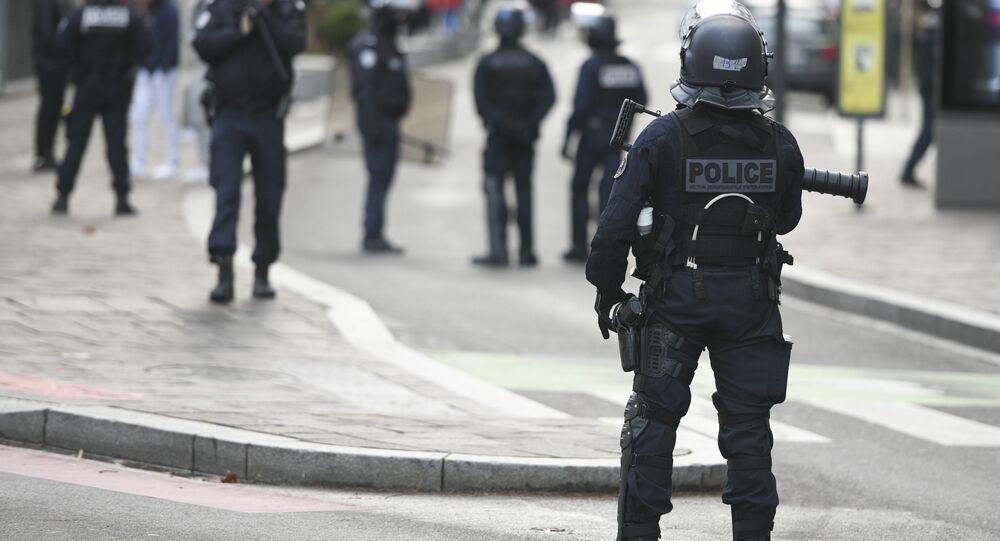 Police française lors d'une manifestation de lycéens, archives