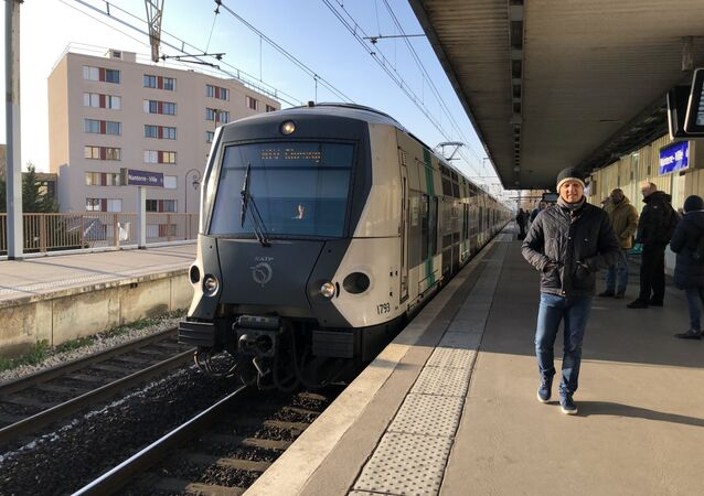 Une rame de RER arrive à la station Nanterre-Ville (Image d'illustration)