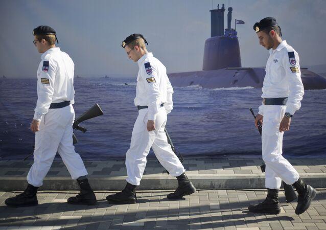 Des marins israéliens au port de Haïfa