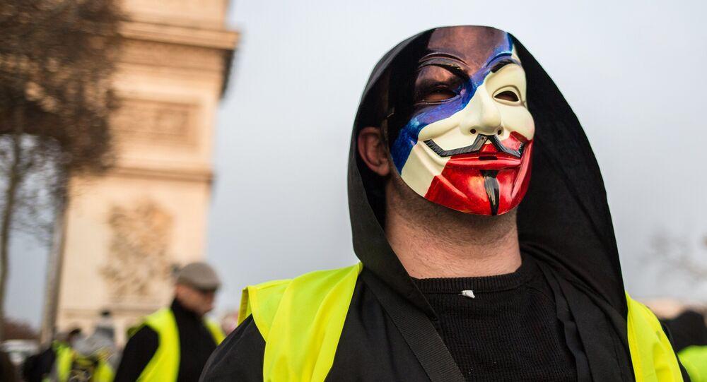 Un Gilet jaune à Paris
