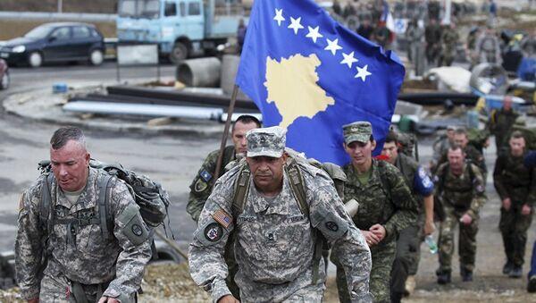 La Force de sécurité du Kosovo (KSF) et des soldats américains - Sputnik France