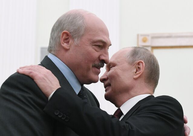 Alexandre Loukachenko et Vladimir Poutine (photo d'archives)