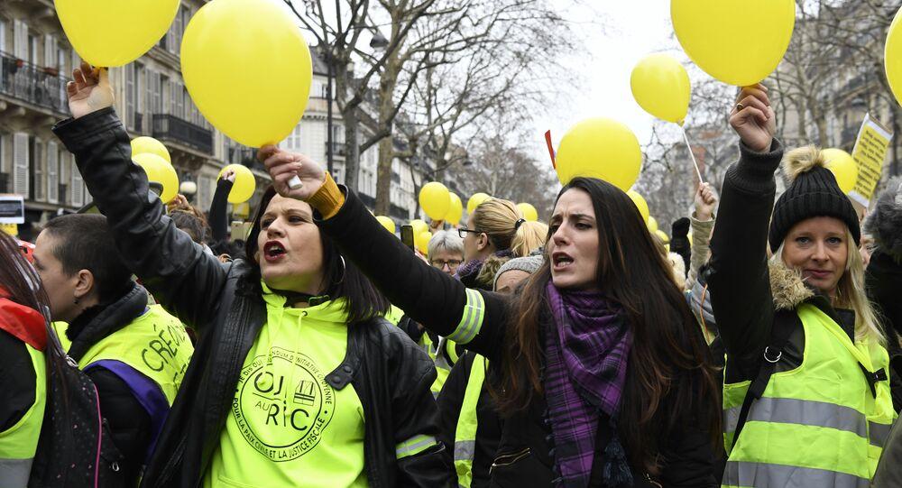 Manifestation de femmes Gilets jaunes à Paris (6 janvier 2019)