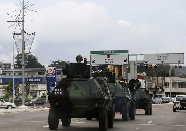 Des véhicules blindés à Libreville