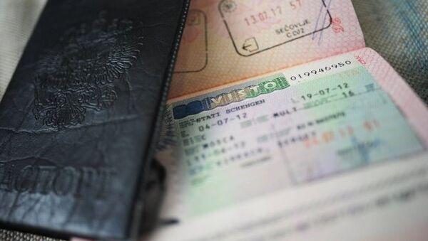 Russie-Occident : Moscou n'abrogera les visas qu'à titre réciproque - Sputnik France