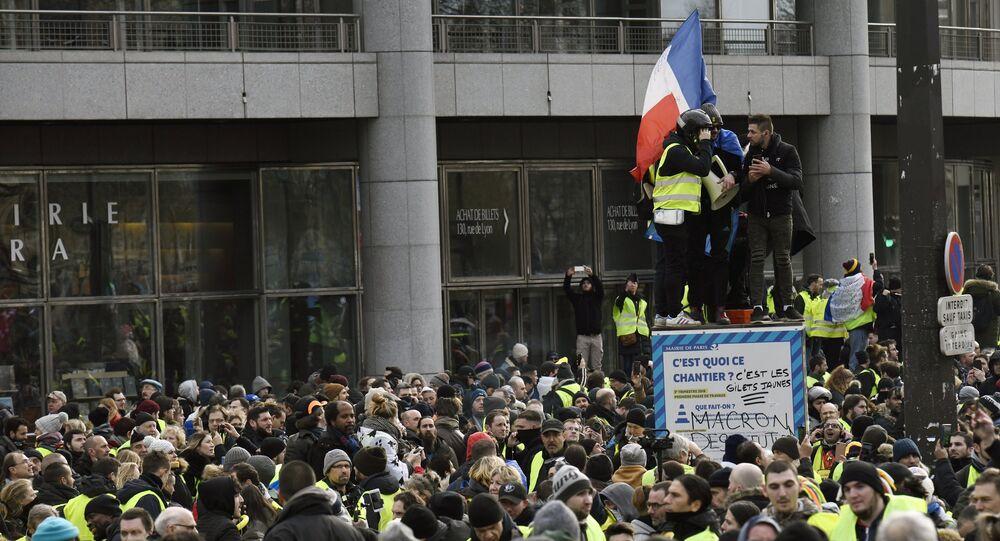 Ministère de l'Intérieur: 32.000 Gilets jaunes manifestent en France dont 8.000 à Paris
