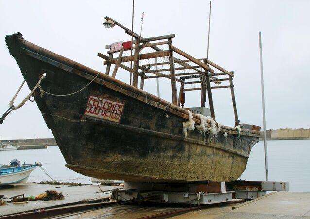 Un bateau en bois non identifié trouvé au large du Japon