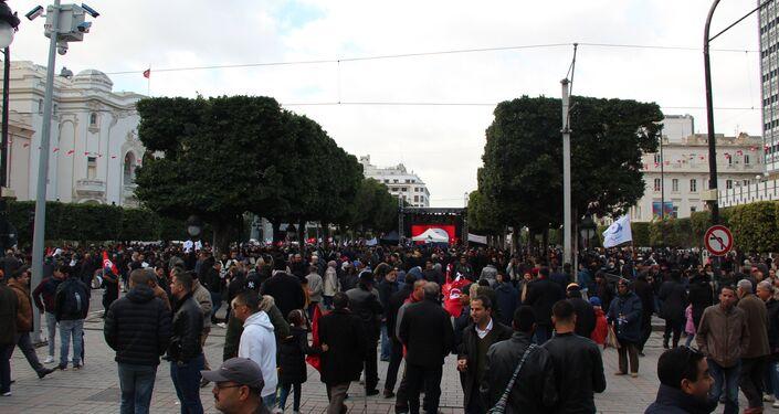 Les Tunisiens célèbrent les 8 ans de la Révolution
