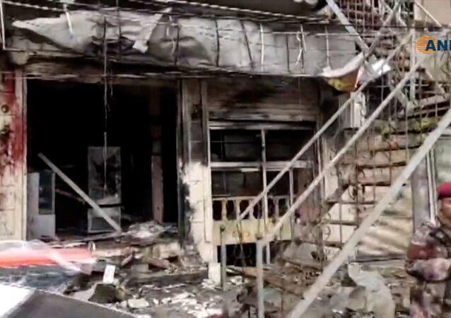 Le site de l'explosion à Manbij