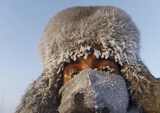 Un étranger au nord-est de la Sibérie, image d'illustration
