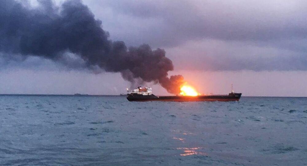 Deux navires tanzaniens en feu à l'entrée du détroit de Kertch