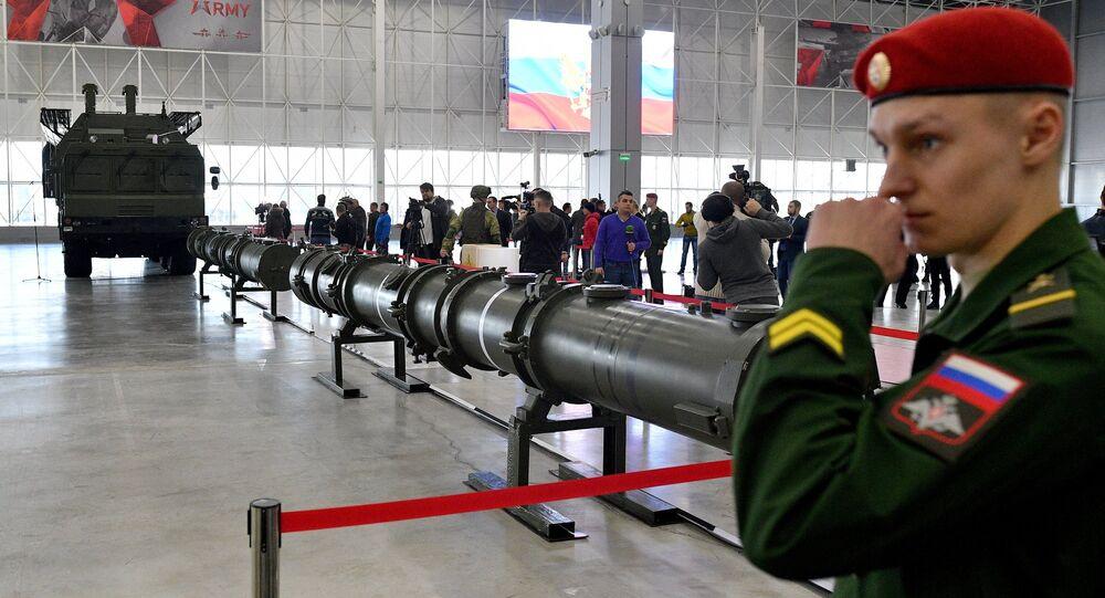 Démonstration du missile 9M729 pour les attachés militaires