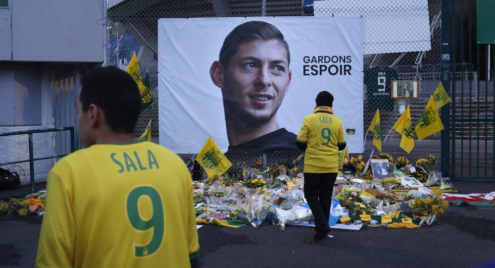 Les supporteurs de Nantes rendent hommage à Emiliano Sala