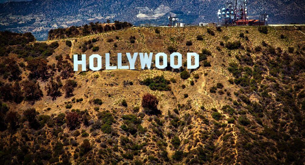Le panneau Hollywood aux États-Unis, image d'illustration