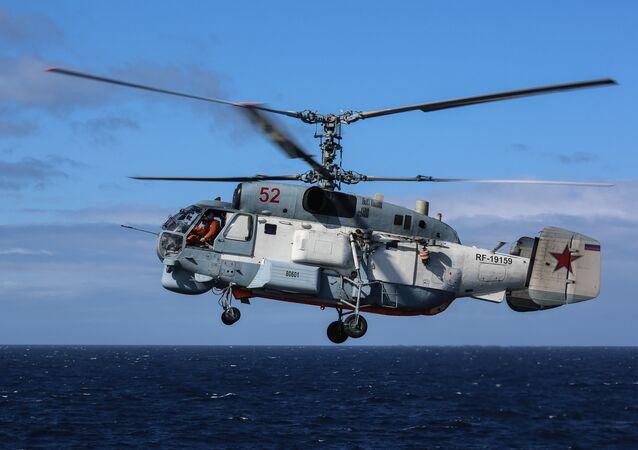 Un hélicoptère Ka-27