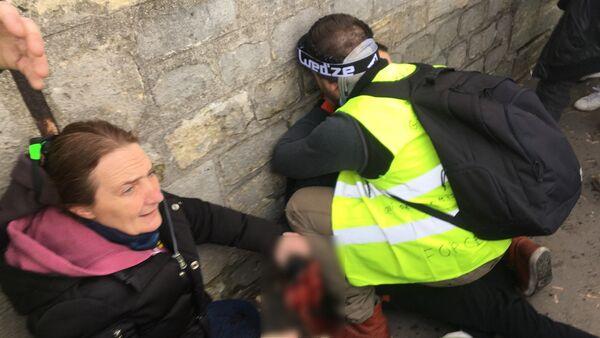 Un Gilet jaune a une main arrachée lors de l'acte 13 à Paris - Sputnik France