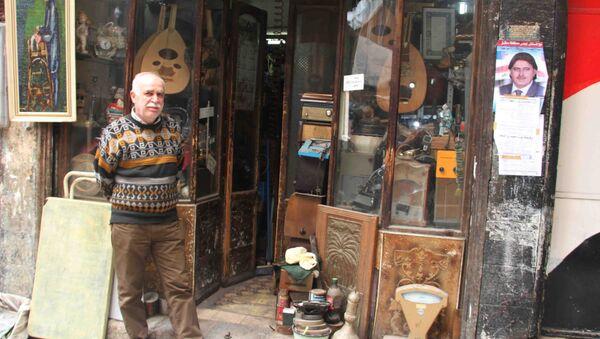 Le marchand syrien d'objets d'art, d'ameublement et de décoration anciens, Issam al Katib - Sputnik France